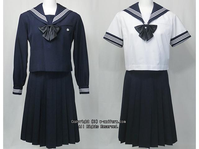 松山女子高校の制服