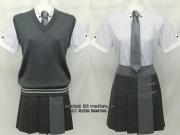 都立忍岡高校の制服