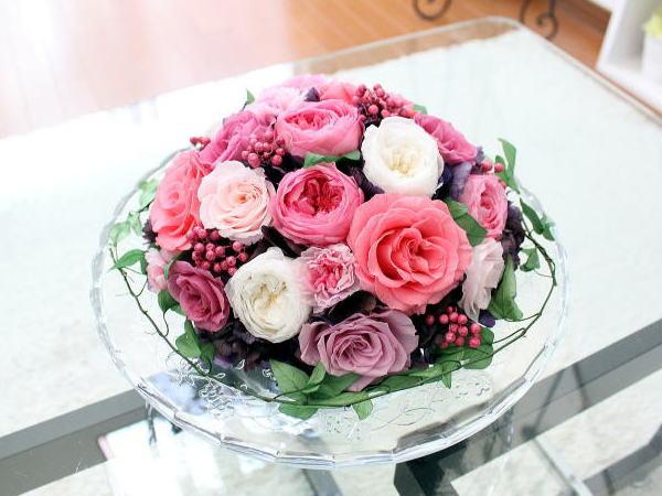 Celebrate Pink Berry : セレブレイト ピンクベリー (プリザーブドの花束のガラスド−ム)【送料無料】