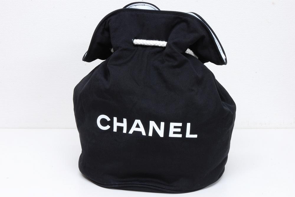 シャネル ノベルティ ロゴプリント プールバッグ 巾着ショルダー
