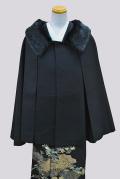 yosooi+オリジナルケープコートです。
