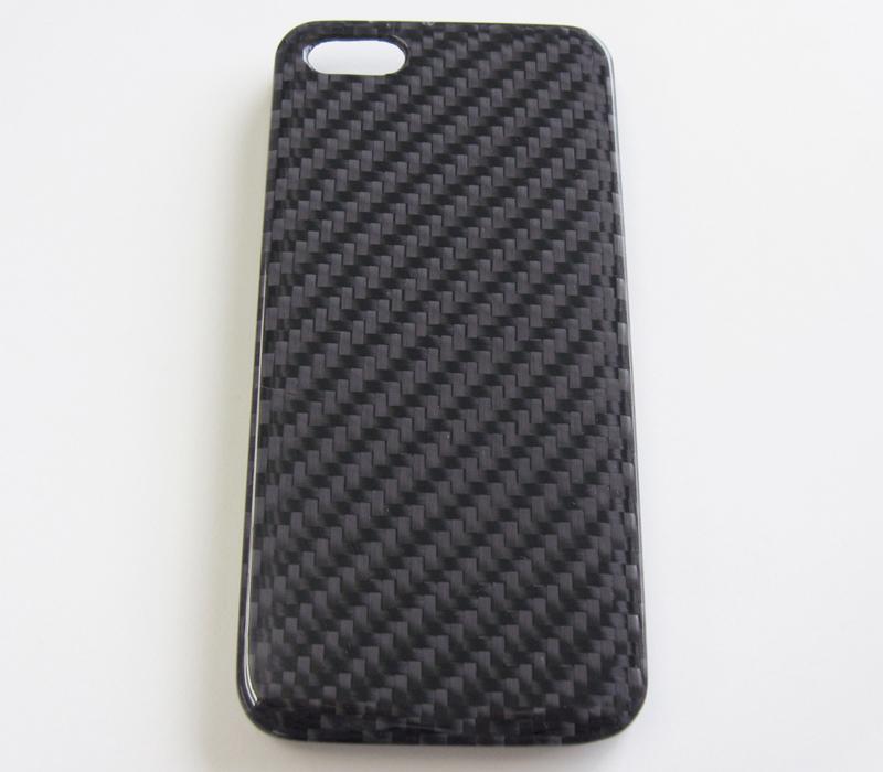 iPhone5用カーボン保護カバー