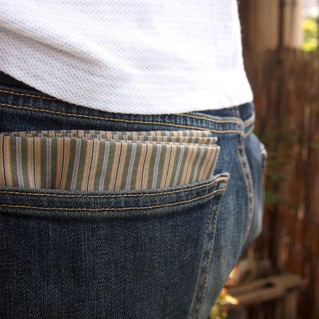 ポケットにハンカチ