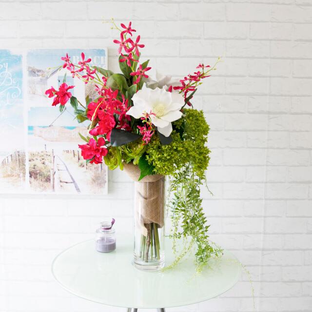 【PAS001 造花アレンジメント(アゼリア・マグノリア・オーキッド・アジサイ)/ポリカーボネート花器】フラワーアレンジメント おしゃれ 造花 アーティフィシャルフラワー テーブルフラワー テーブルサイズ 卓上サイズ テーブルフラワー ネイルサロン