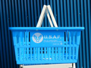 ショッピングバスケット U.S.A.F. Lサイズ 1個 マイバスケット スーパーバスケット 収納 積み重ね 買い物かご プラスチック スーパーマーケット 洗濯物 車内 トランク収納 U.S. AIR FORCE USエアフォース