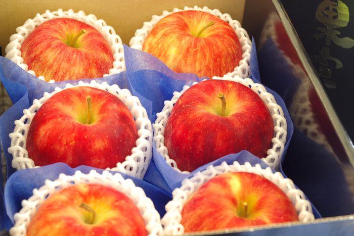 シナノドルチェりんご通販 長野オリジナルシナノリンゴを販売取寄。小箱 約5玉~約6玉 長野県産