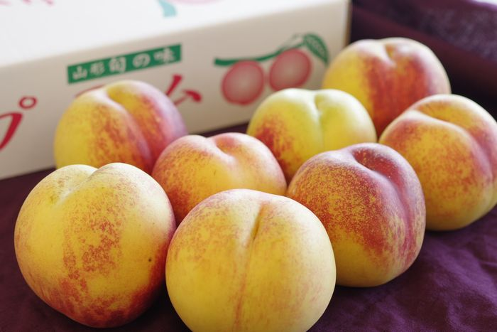 エンパイヤ通販 ネクタリン油桃を販売取寄 約8玉~約10玉 山形・他産地