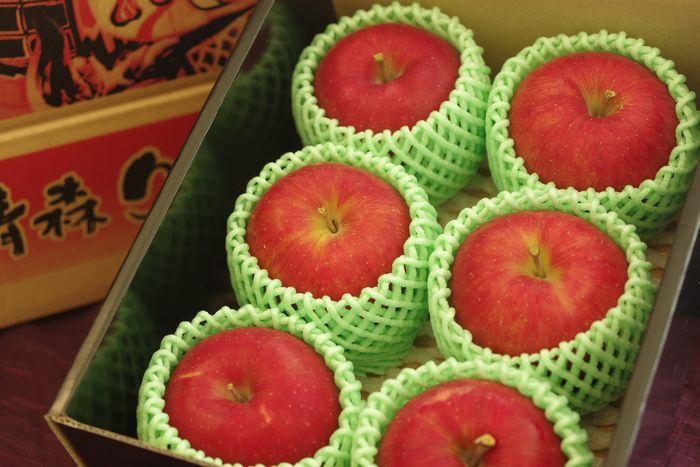 青森県シナノスイートりんご販売 篤農家林檎 小箱 約5玉~約6玉