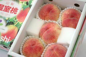 母の日桃をお母さんにプレゼント!山梨桃 化粧箱 約4玉~約6玉入 カーネーション付