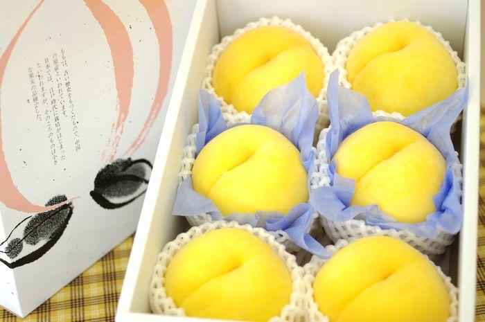 黄桃通販。黄金桃・他品種の黄色いモモを販売取寄。フルーツギフトに 小箱 約6玉 山形・他産地