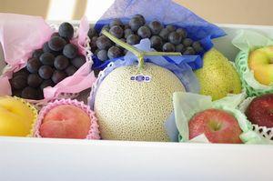 御見舞果物のお取り寄せ。お見舞いフルーツセットを販売全国宅配。大箱タイプ 熨斗・到着指定日対応