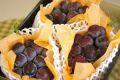 オーロラブラック葡萄取寄販売 岡山種なし黒ぶどうを通販で。果物ギフトに。3房 約1650g 岡山産