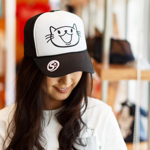 メッシュキャップ 猫 SMILE CAT ブラック ネコ ねこ 猫柄 雑貨 - キャップ SCOPY スコーピー