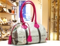 【世界に一つだけのボストンバッグ】ミディアムボストン ネオンピンク色 フランス,ドイツ新聞柄