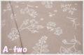 ダブルガーゼ La vie en Rose ベージュ LR3074W-A (約110cm幅×50cm)