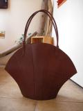 変わった形のバッグを持ちたい方にハンドメイドの大きな貝型バッグ♪コンチャシリーズ1(大)
