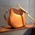 ドイツホック、真鍮金具を使用した高級感あるカジュアルバッグ(小)ラビアシリーズ2