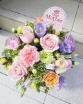 母の日アレンジ 送料込み5500円~淡く優しい色合いで お花はおまかせください~