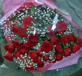 還暦祝いに☆赤バラとかすみ草の豪華花束