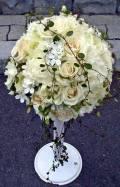 オールドローズと白小花のフリースタイル