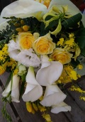 季節限定☆カラーとバラの花束(白・グリーン・イエロー系)※12月~4月末頃まで