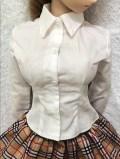 白Yシャツ