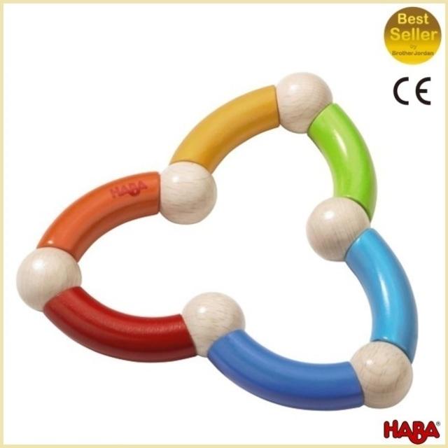 ハバ社 HABA ラトル・クローバー Color Snake Rattle 自然素材の舐めても安心、くねくね形が楽しいガラガラ ラトル