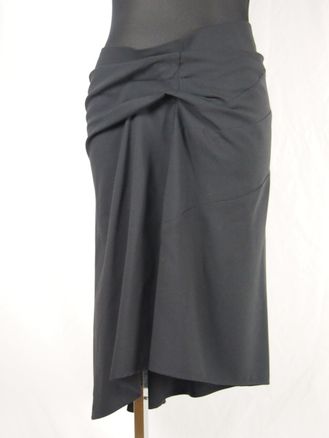 HISUI・(ヒスイ) タックデザインアシンメトリー膝丈スカート|ブラック|レディース(14ss)【送料無料】