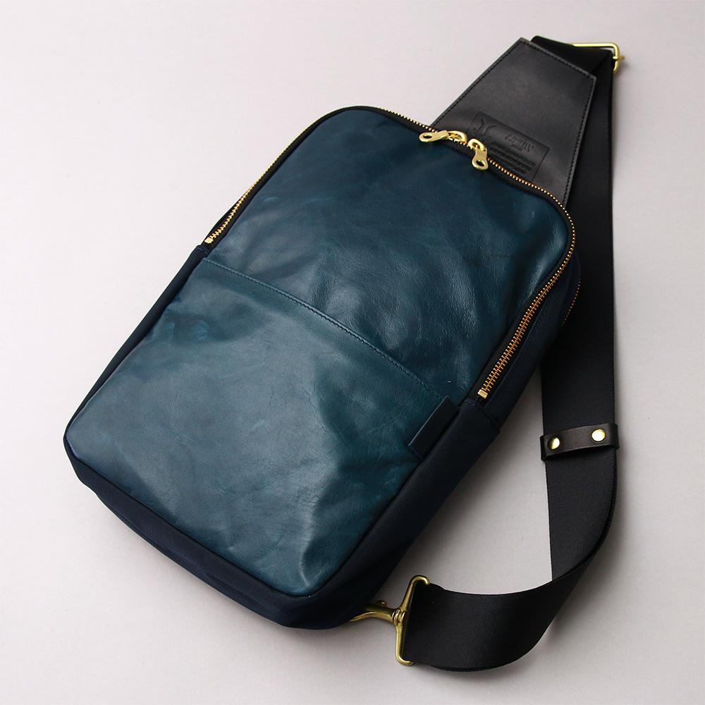 iPadが入る馬革ボディバッグ 斜め掛け 日本製