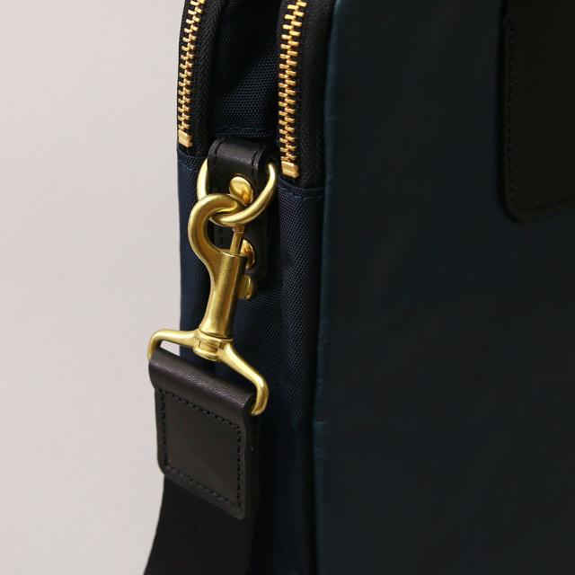 ビジネスバッグ ブリーフケース 小型 軽量 馬革