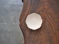 照井壮 乳白釉輪花八弁小皿