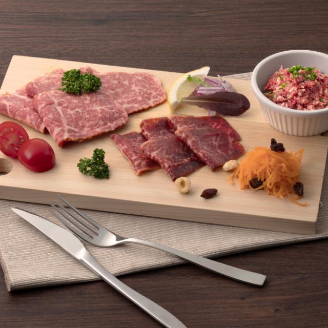 TORIYAMA UMAMI WAGYU(鳥山旨味和牛)ハム・生ハム・コンビーフの食べ比べ