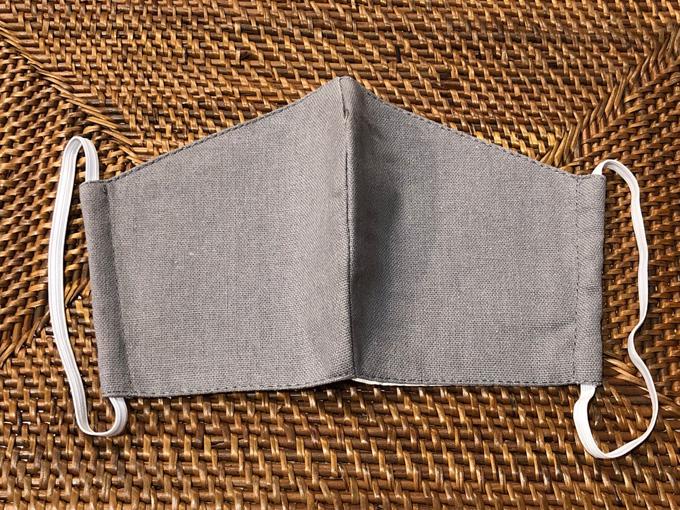 洗える リネン3層構造立体型マスク(グレー) 男女兼用( 大人用)【メーカー正規販売店】【10枚までメール便配送可】