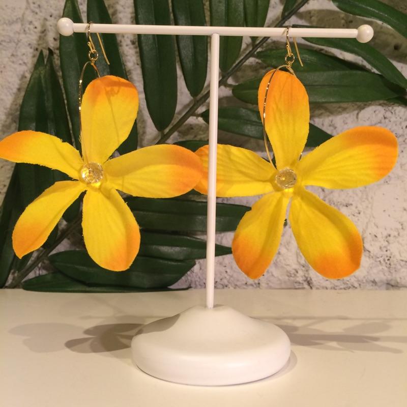 Lei'Awapuhi ke'oke'o Flower collection プルメリアピアス・イヤリングOR