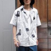 【新着】Cuirs(キュイー)メンズシャツ オリジナルニュースペーパー総柄オープンシャツ新作デザイン