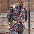 【新着】Cuirs(キュイー)メンズシャツ オリジナルレトロ調ペーズリー総柄プリントさらさらオープンシャツ新作デザイン