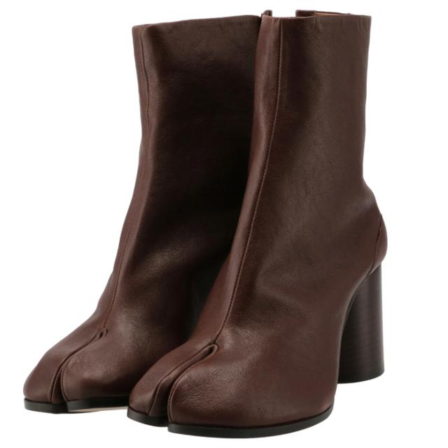 メゾン マルジェラ MAISON MARGIELA 2021年秋冬新作 Tabi タビブーツ 足袋ブーツ レザーブーツ レディース 靴 ブラウン S58WU0260 P3753 T2148