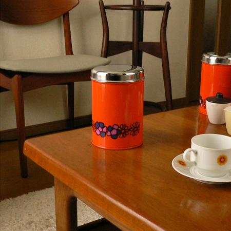 オランダのレトロなオレンジ色ビスケット缶 *amber design*北欧家具やビンテージ雑貨等のインテリア通販