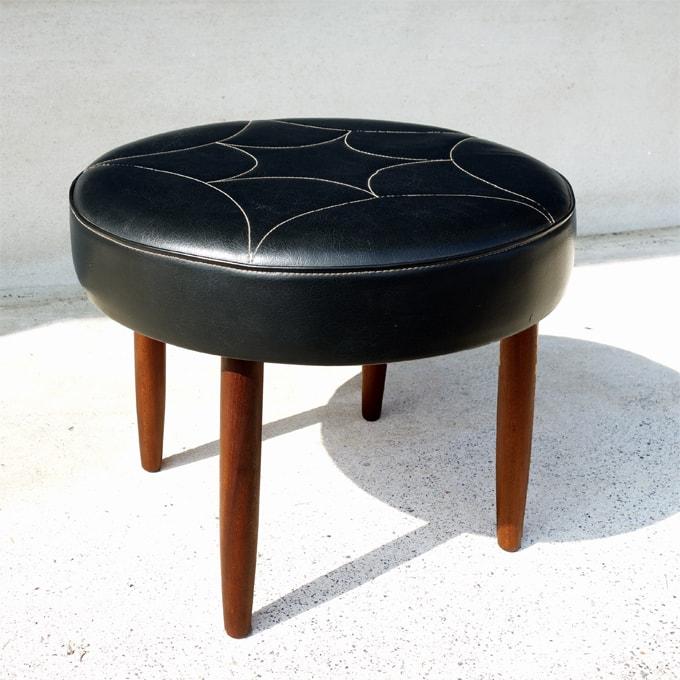 ビンテージ椅子 黒スツール