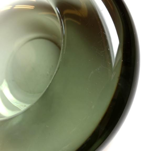 ビンテージ黒ガラス灰皿 状態