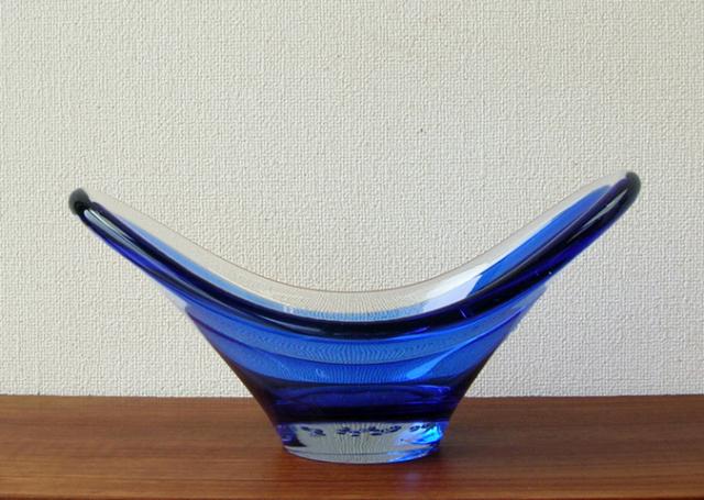 青いガラスベース アンティーク
