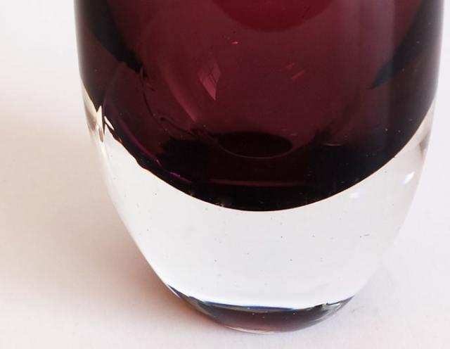 紫と透明のガラスベース 詳細