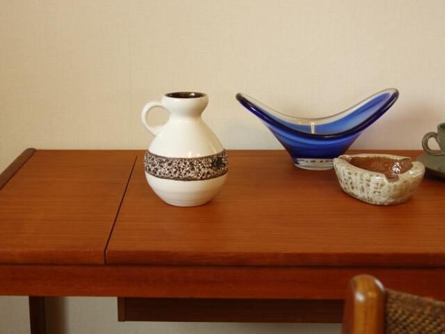 ドイツ製ヴィンテージ陶器フラワーベース