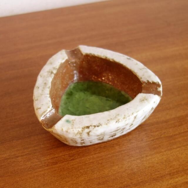 ビンテージ陶器灰皿 三角形