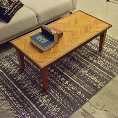 ヘリンボーンのローテーブル
