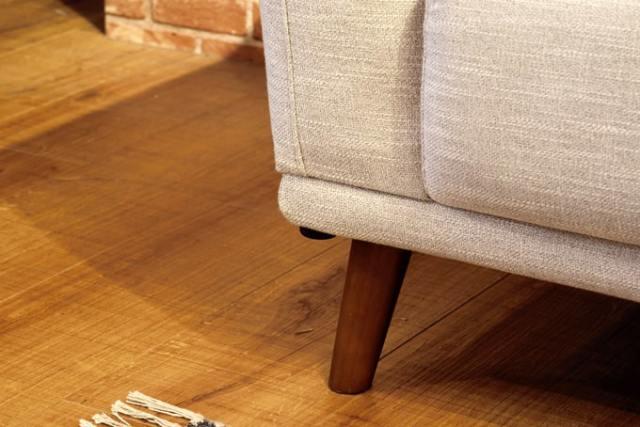 ソファ脚は木製で取り外しても使えます