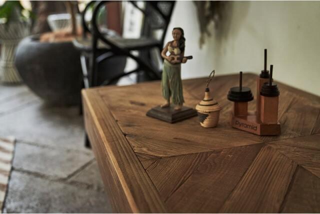 古材リメイクのローテーブル