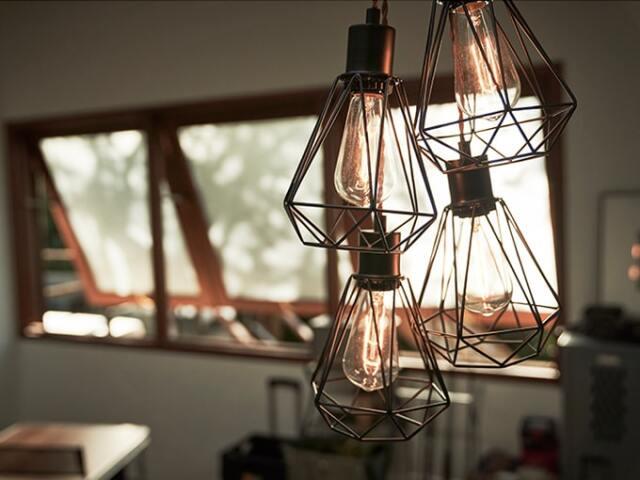 アイアン4灯ペンダントライト レトロ電球付き