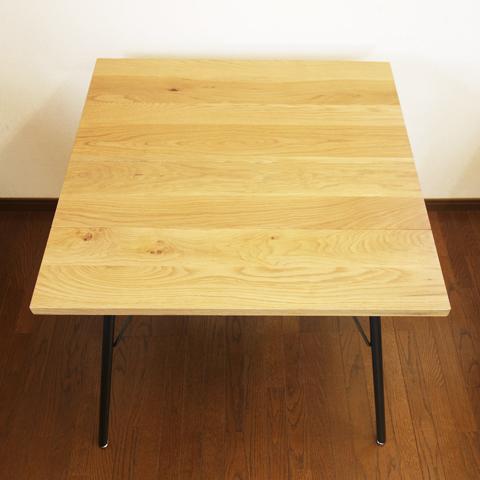 無垢材アイアンレッグ ダイニングテーブル 正方形