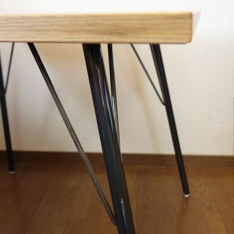鉄脚のダイニングテーブル 無垢材天板